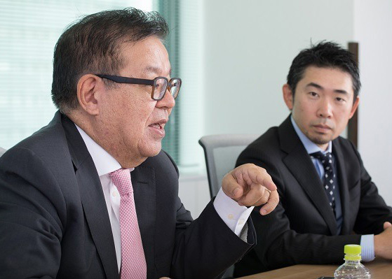 身に着けるすべてのもので人間のコミュニケーションを支えるようなプロダクトが生まれてくると思っています、と語る村井氏