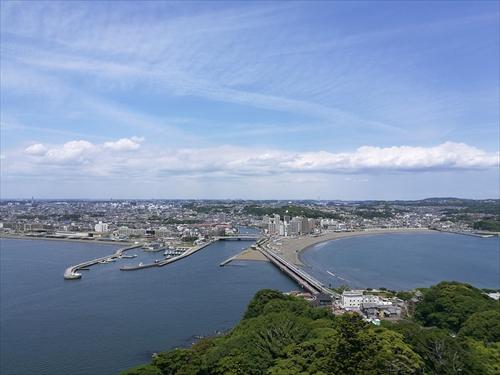 江の島展望灯台から見える江ノ島大橋