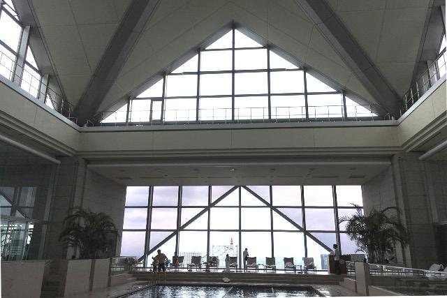 パークハイアット東京プール