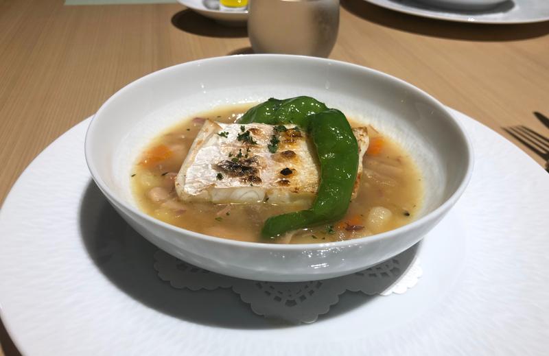 フランス料理 鮮魚のポワレ