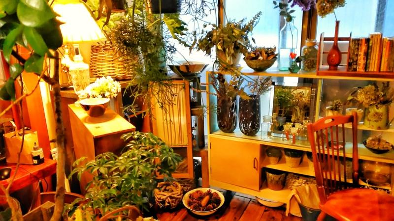 金沢小町の店内にある花屋のNOTE