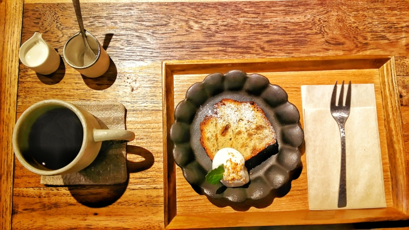 blanket cafeのコーヒーとケーキ