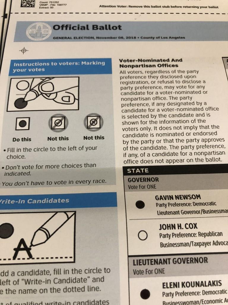 アメリカの投票用紙。マークシート式