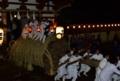 京都新聞写真コンテスト 大松明の到着だ!