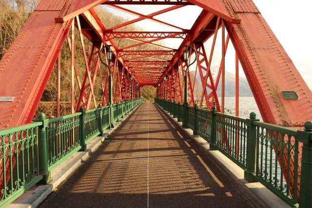 山線鉄橋の入口から真っすぐ撮ったもの