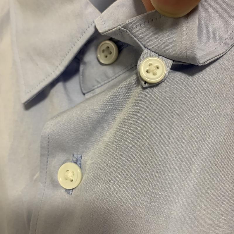 襟の裏に隠されたボタンダウン