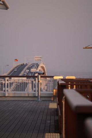 海ほたるから,木更津方面を望む
