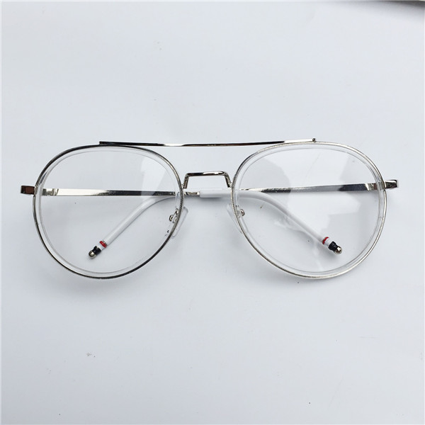 メガネ フレーム 透明