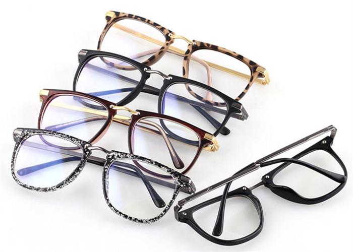 スクエア型ウェリントンメガネ大きいフレーム レンズあり