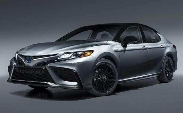 2020 カムリ マイナーチェンジ トヨタ・カムリがマイナーチェンジ。より洗練された内外装デザインへと刷新