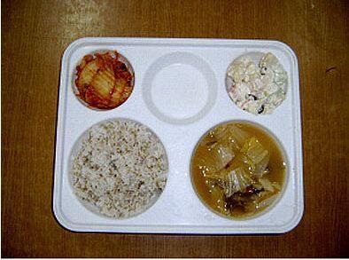韓国収監者の典型的な食事