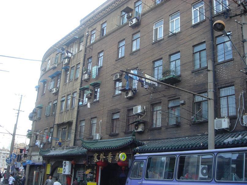 上海旧日本租界の萬歳館