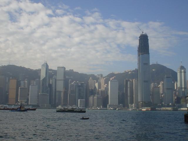 香港尖沙咀側から写した香港島
