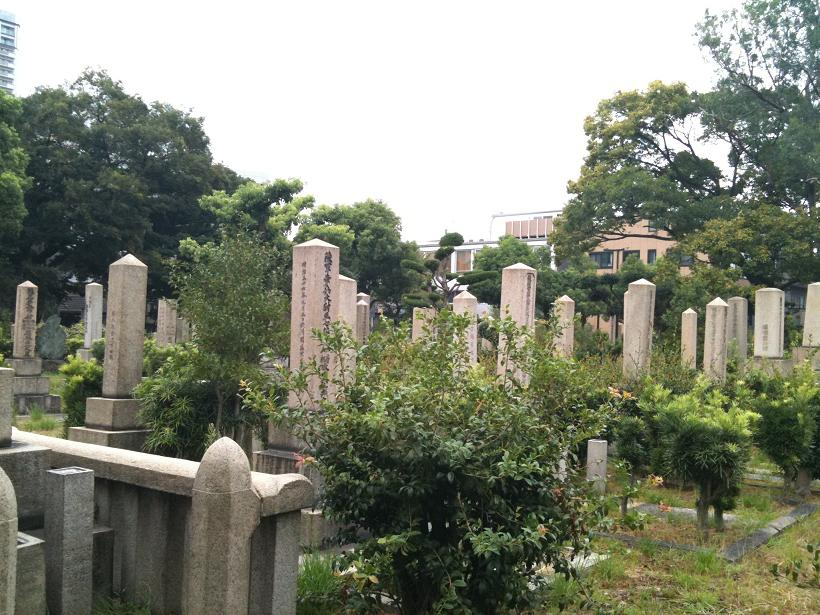 真田山陸軍墓地にある将校の墓