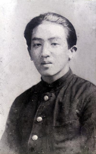 鹿野忠雄台北高校卒業時の写真