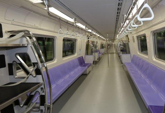 桃園空港MRT電車普通車車内