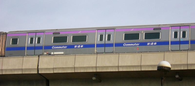 桃園空港MRTの普通車