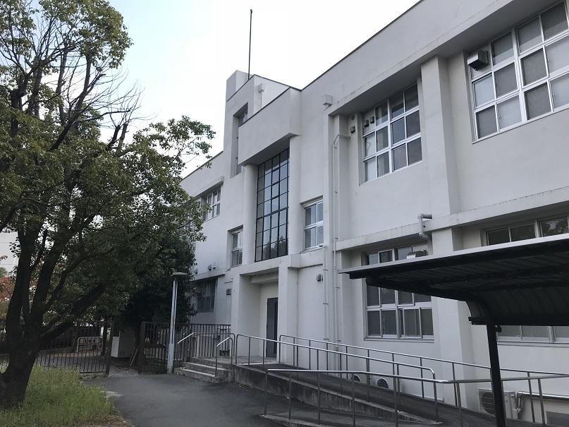 大阪商科大学旧図書館建物側面
