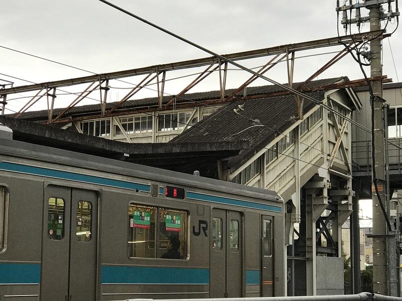 阪和線杉本町駅跨線橋