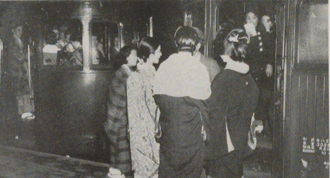 南海の女給電車昭和初期