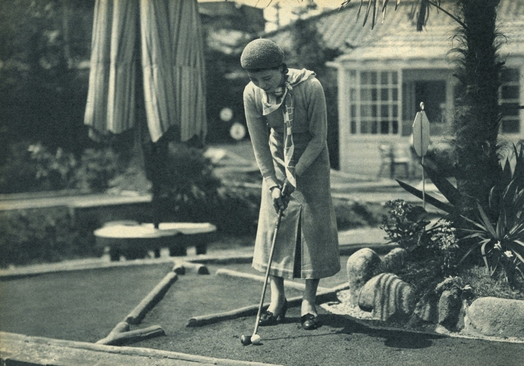 ベビーゴルフ女性昭和初期
