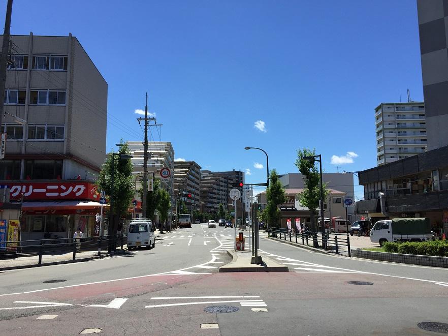 阪和線津久野駅前2