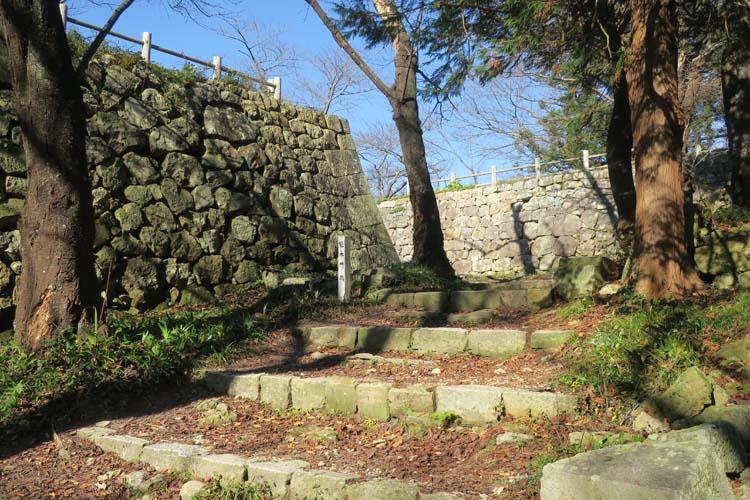 村上城 冠木門跡