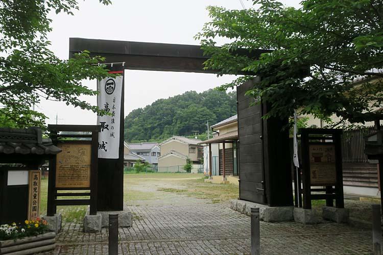 高取城 松の門