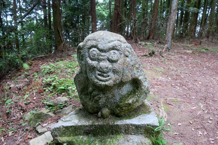 高取城 猿石