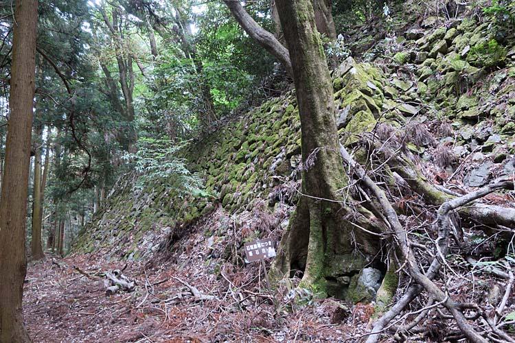 高取城 本丸下石垣
