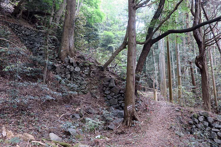 高取城 登り石垣