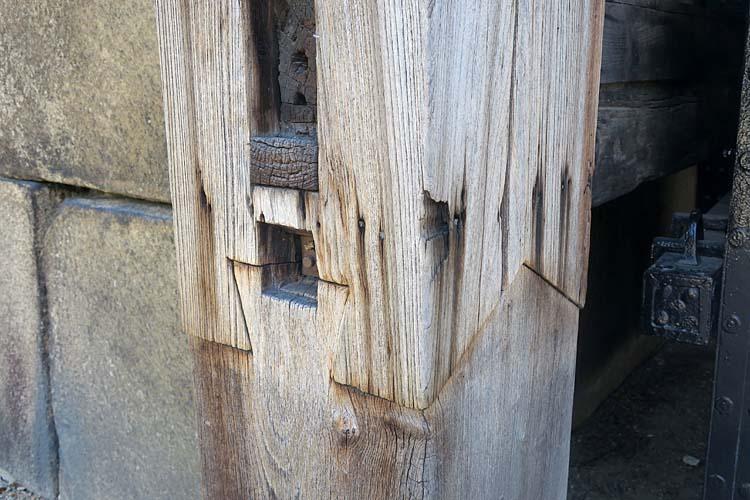 大阪城 控柱の根継