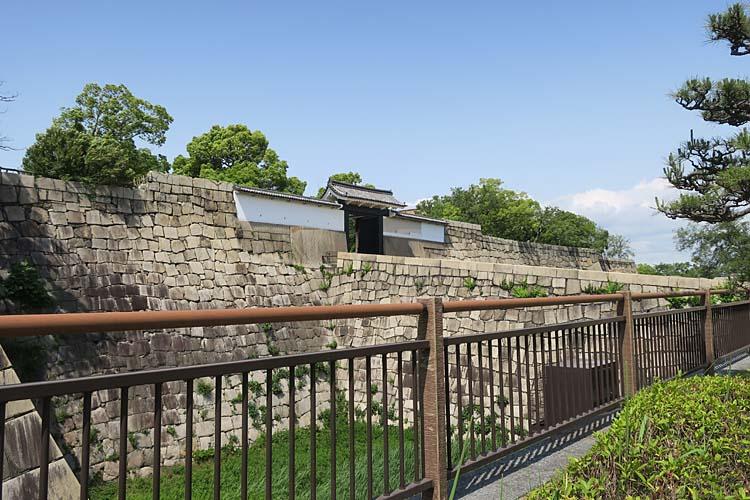 大阪城 桜門方面