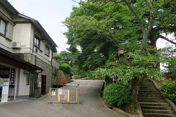 丸岡城 本丸入口