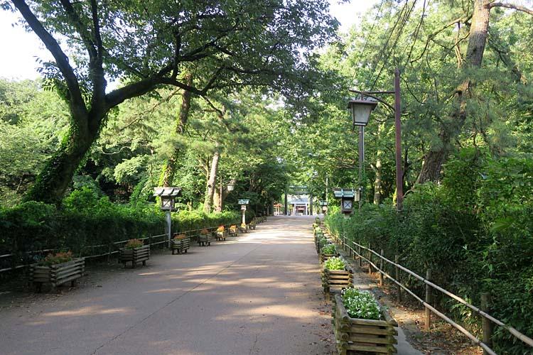 高岡城 二の丸から本丸への道