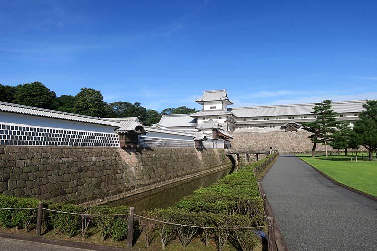 金沢城 内堀と五十間長屋