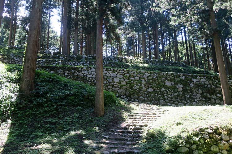 七尾城 桜馬場北面石垣