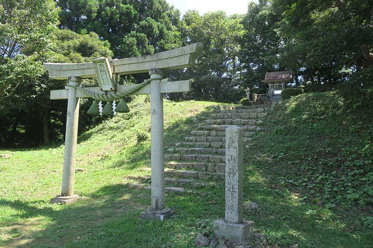 七尾城 城山神社