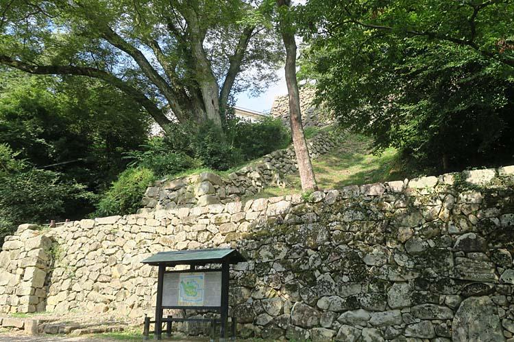 彦根城 大手門枡形と登り石垣