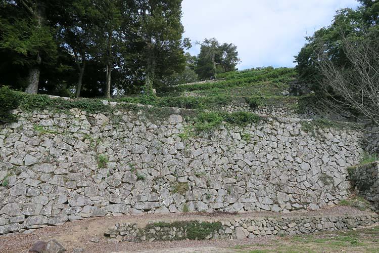 備中松山城 段々石垣