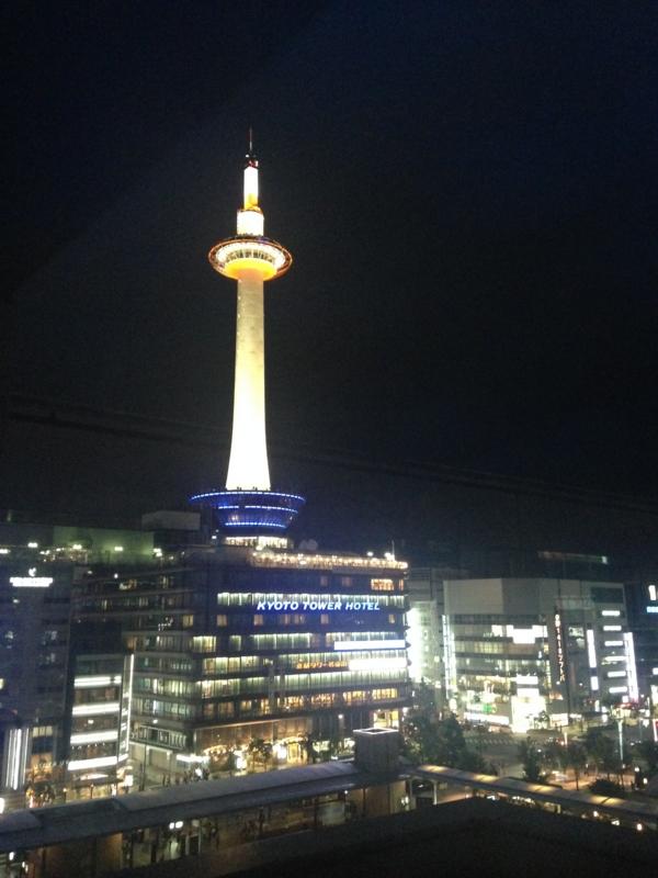 京都駅の夜景:2014年6月撮影
