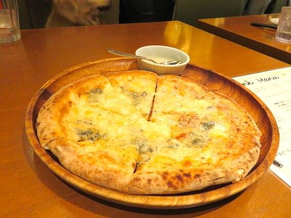 ドッグカフェのピザの写真