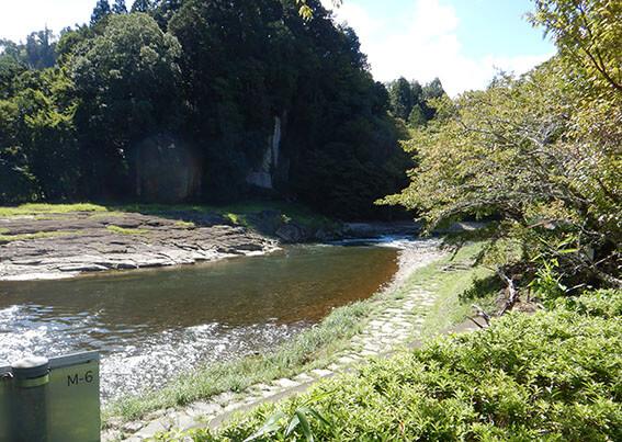 奈良の川の写真