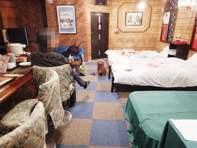 ラウンジで宿泊する写真