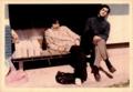中根(左)と秋本(右)/ (明大現音ゼミのメンバー / 1976-7年頃)