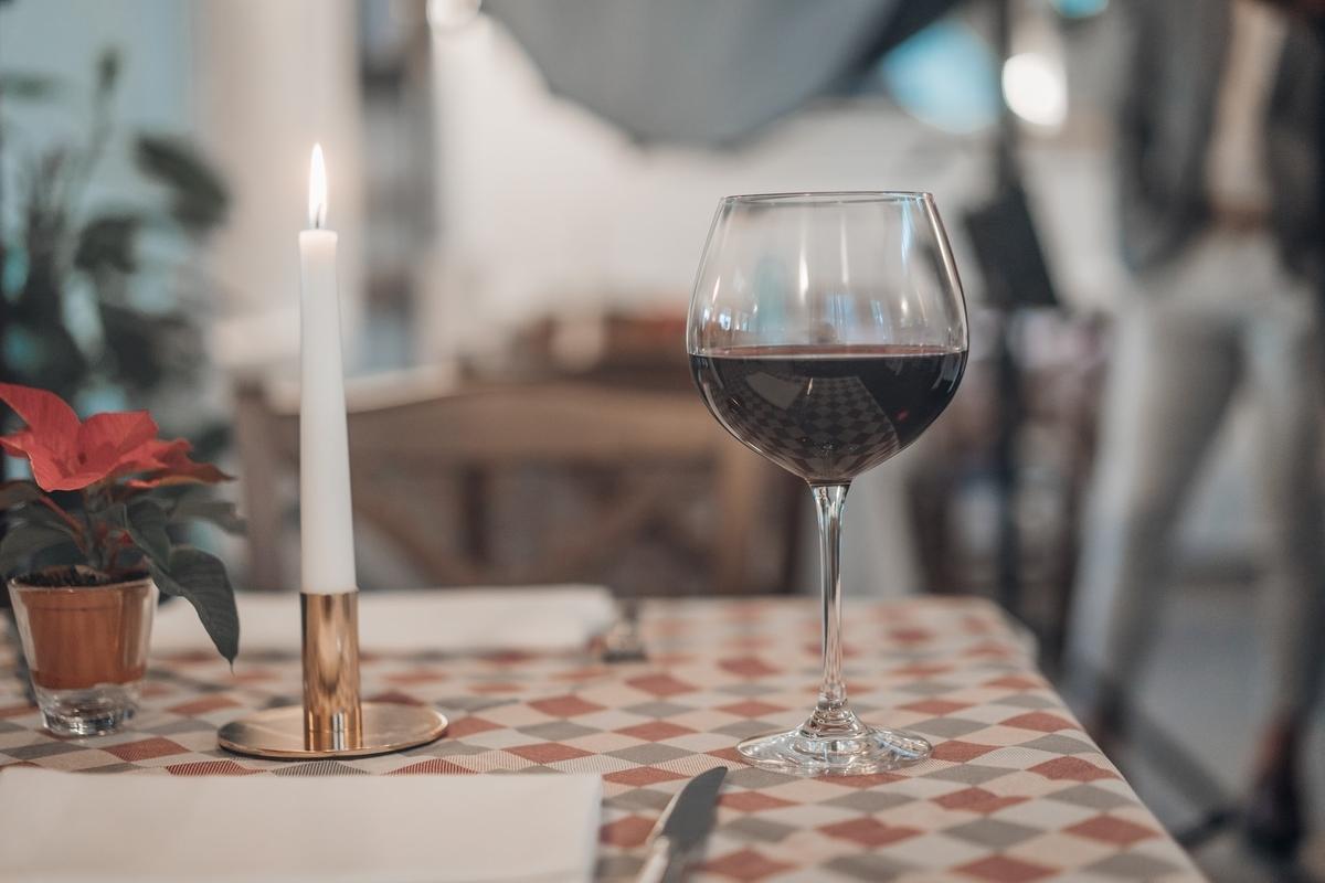 カルロロッシを徹底解説!歴史や産地、おすすめワインをご紹介 theDANN media