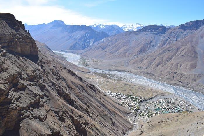 インドのスピティ渓谷の雄大な景色の写真