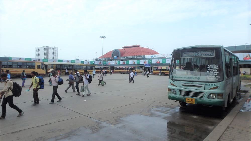 チェンナイのCMBTバススタンド