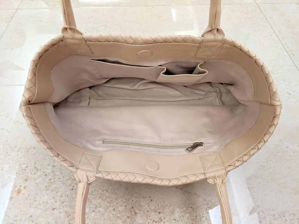 オーダーメイドで作ってもらった鞄の内側