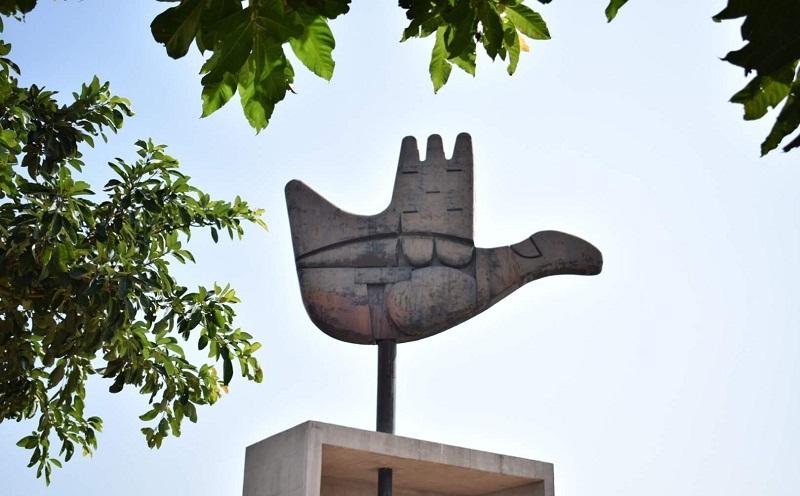 チャンディガールのキャピトルコンプレックス(Open Hand Monument)